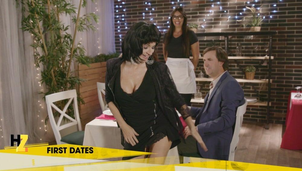 La primera cita de Carlos con Loles León