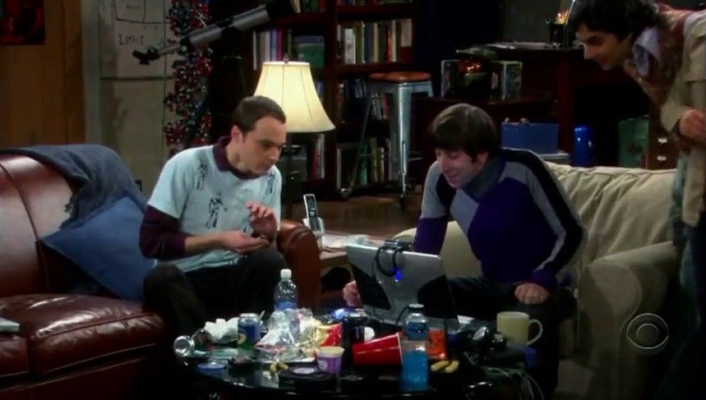 Frame 44.482129 de: The Big Bang Theory en checo