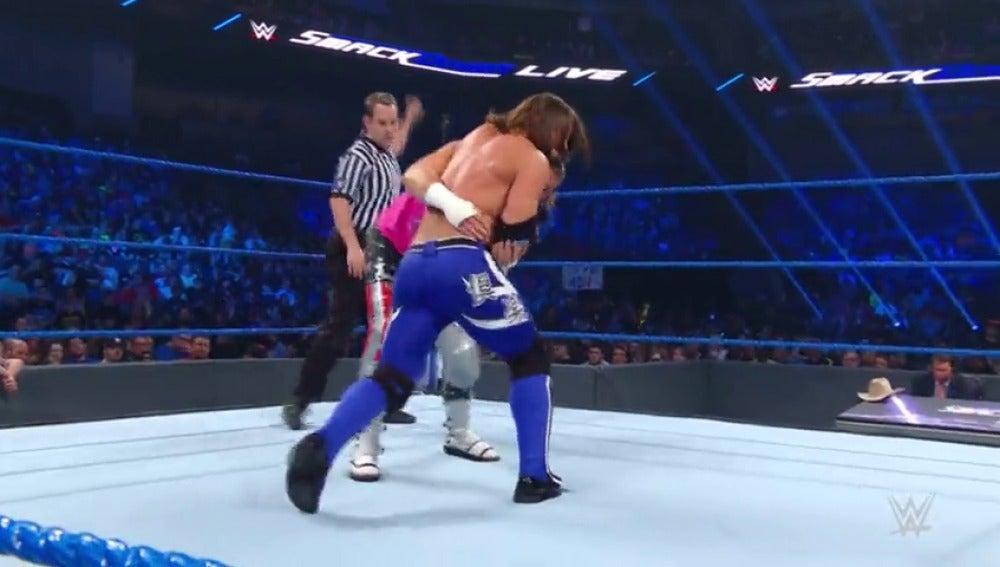Frame 5.130371 de: Combate a cuatro entre AJ Styles, Dolph Ziggler Kevin Owens y Nakamura