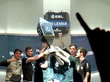 G2 Esports celebrando la ESL Pro League