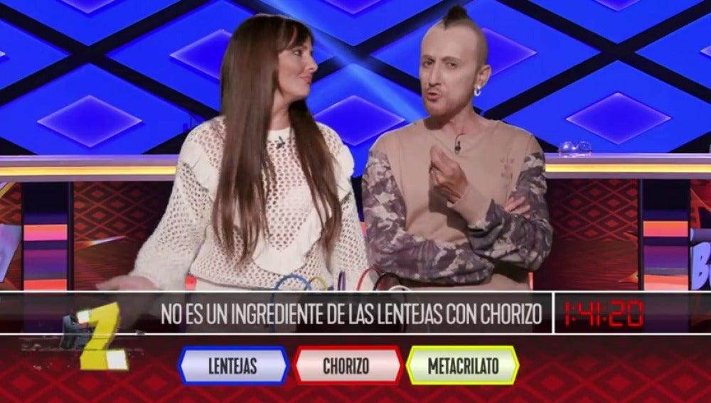 Frame 23.848571 de: Cristina Pedroche y David Muñoz flamean los cables de 'Boom'