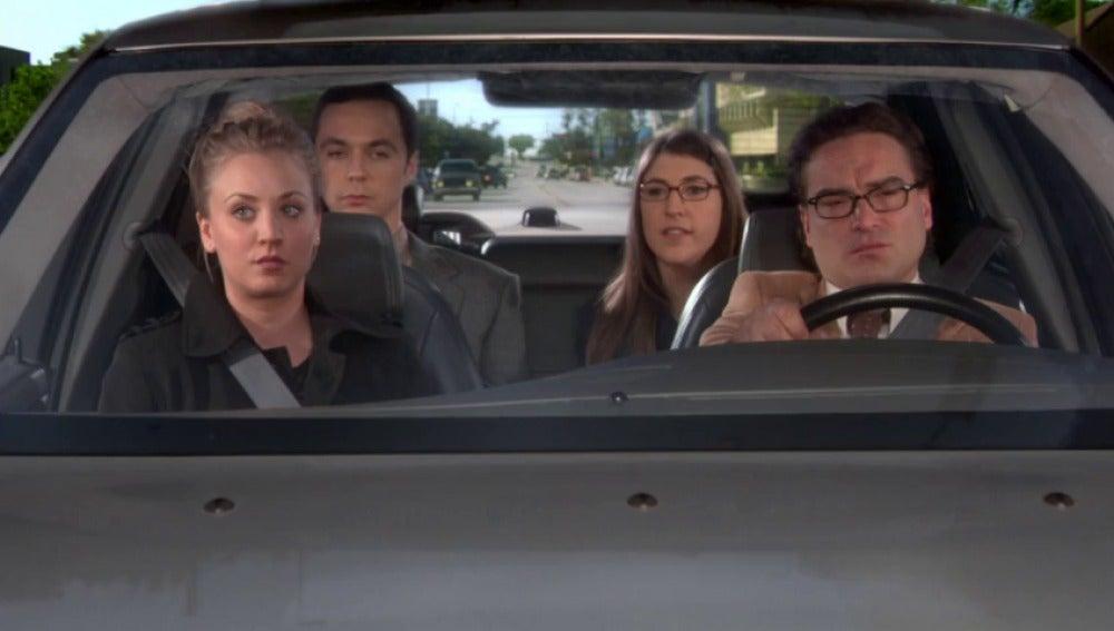 Penny está casada con Zack y Leonard le pide que lo anule