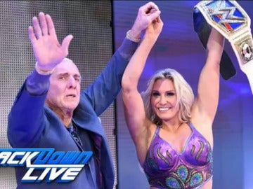 Charlotte gana el título femenino de Smackdown
