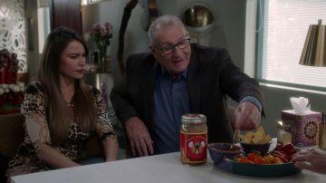 Gloria intenta vender su 'salsa atómica'