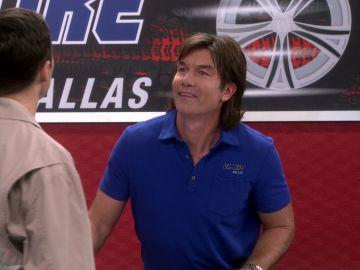 Sheldon se reconcilia con su hermano y le invita a su boda