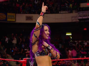 Sasha Banks coge la directa a Money in the Bank