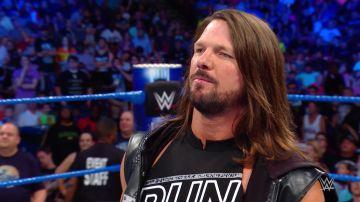 Samoa Joe pone contra las cuerdas a AJ Styles de Summerslam