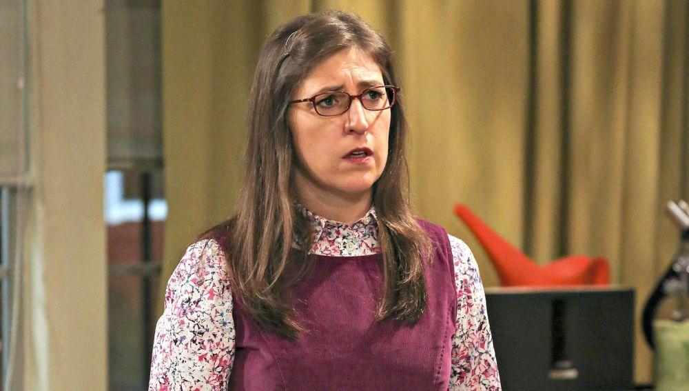 Mayim Bialik como Amy en 'The Big Bang Theory'