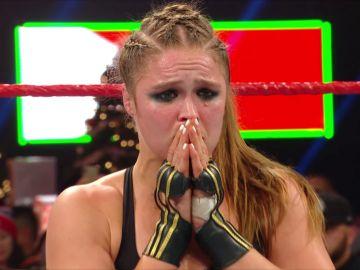 Ronda Rousey sigue siendo la campeona de WWE RAW