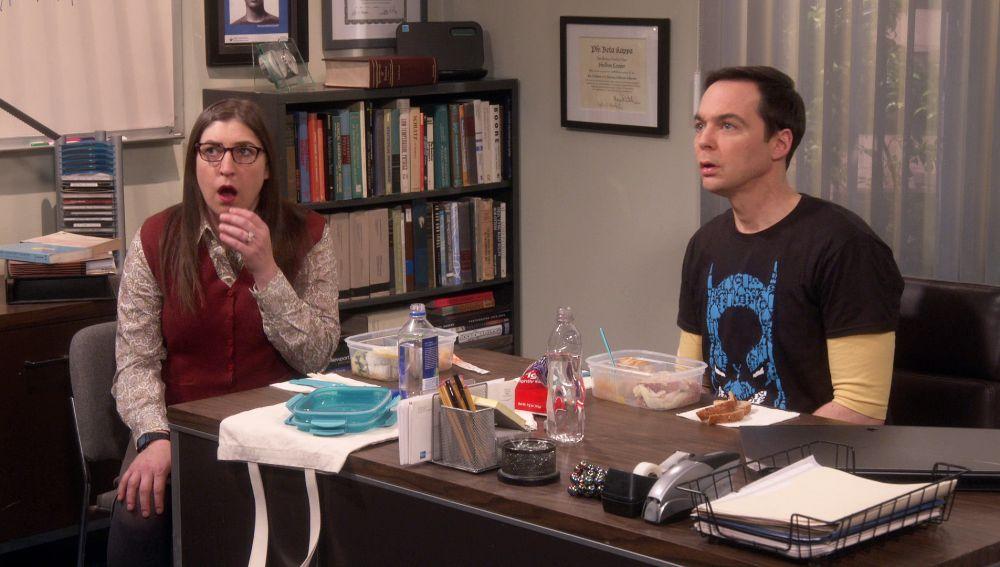 Sheldon y Amy descubren que Pemberto ha plagiado su tesis