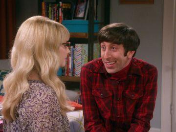 Howard intenta averiguar qué camarera estaba enamorada de él, además de Bernadette