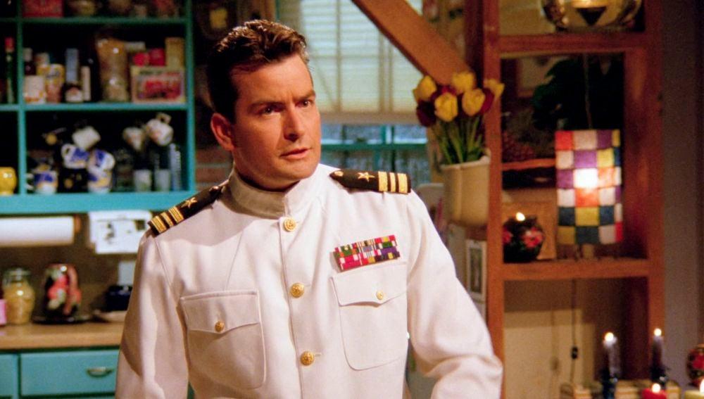 El novio marine de Phoebe en 'Friends' fue Charlie Sheen