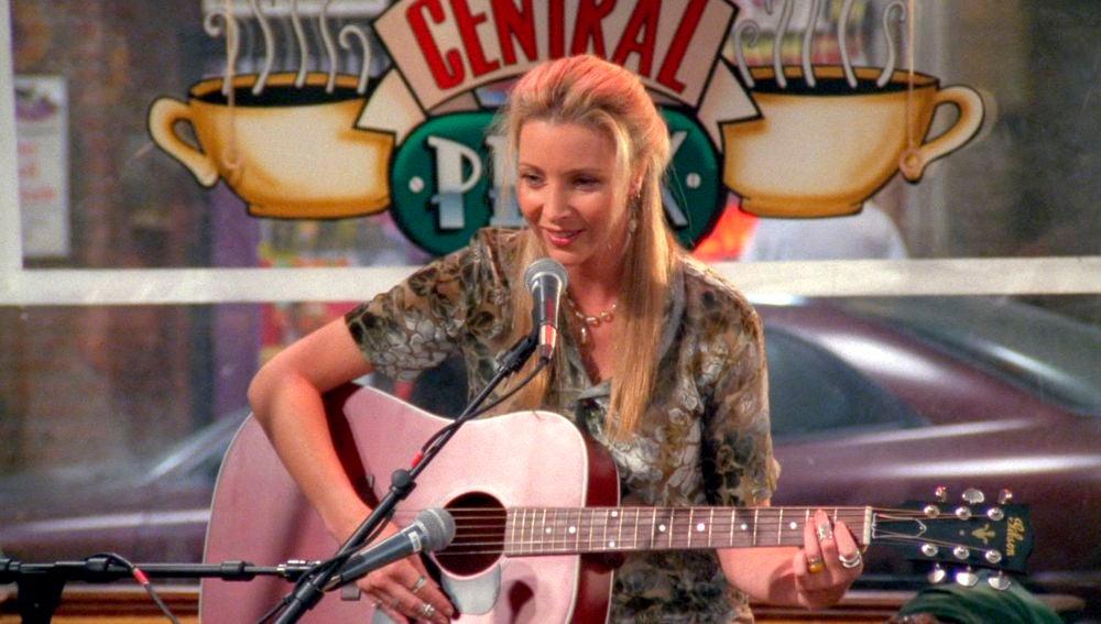 Phoebe consigue una 'flema sexy' que le hace cantar mejor