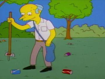 Lisa enseña al señor Burns a reciclar
