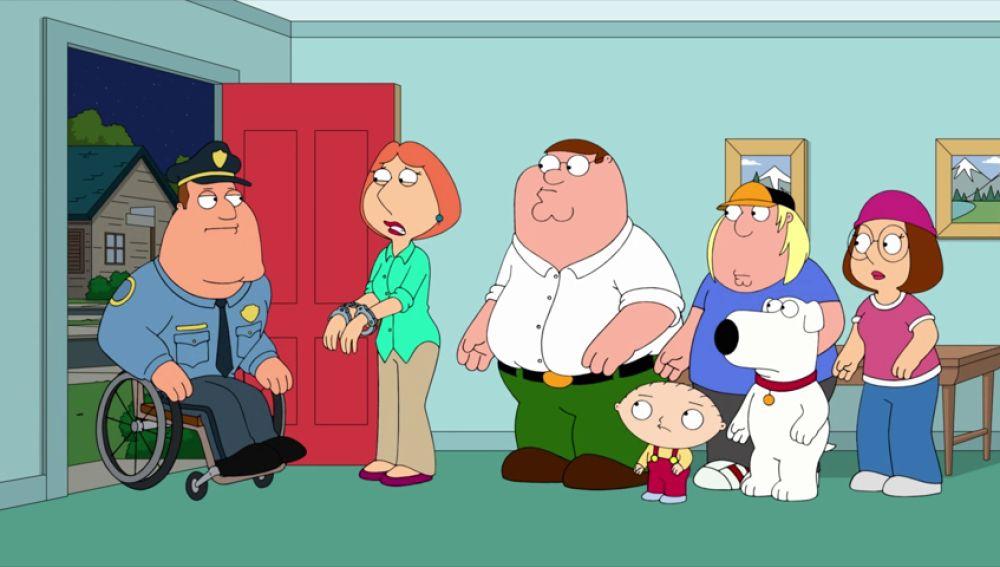 Lois es acusada de asesinar a una alumna