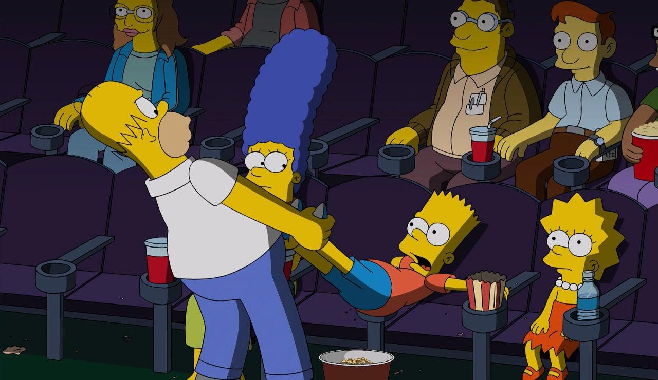 Homer quiere sacar a Bart del cine
