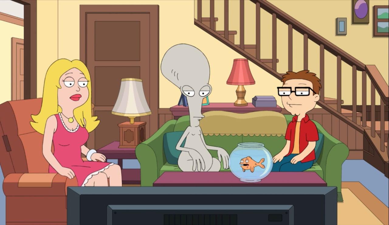 La familia de American Dad ve la tele