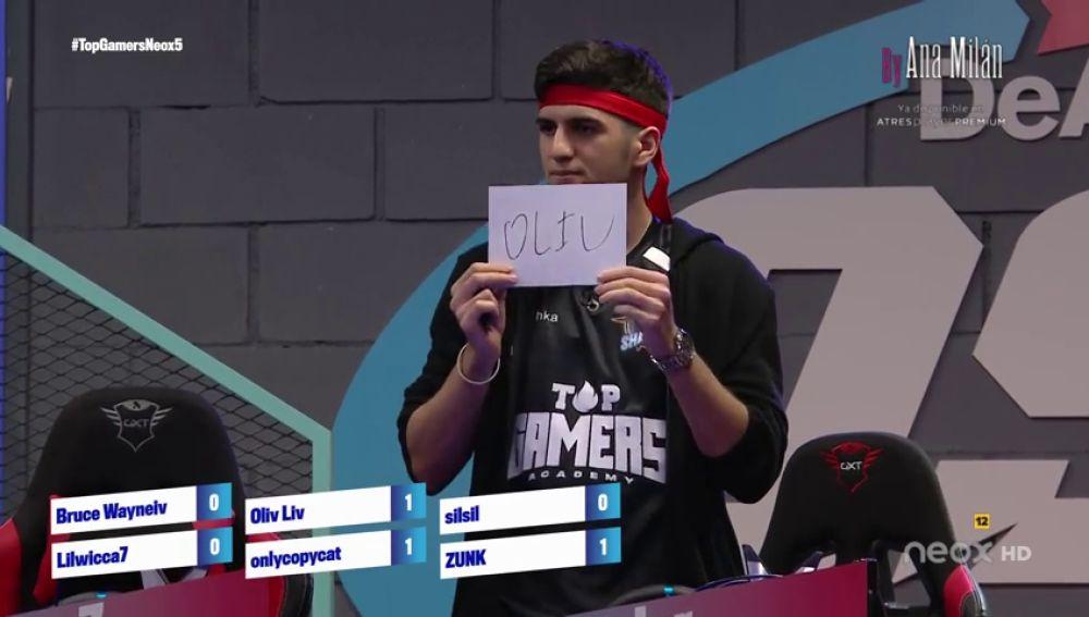 Los concursantes de 'Top Gamers Academy' salvan a Oliv Liv