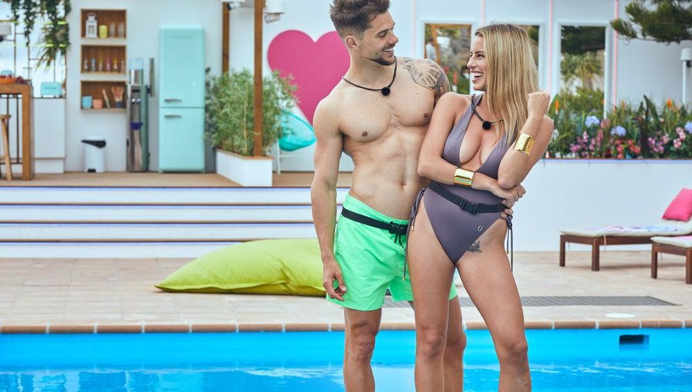 Jose y Carla se emparejan en el primer programa