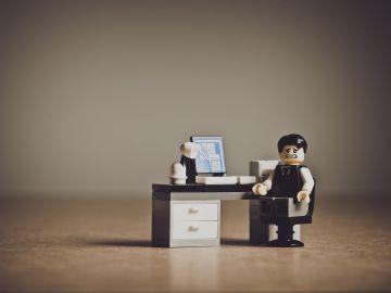 """""""Necesito hablar contigo"""": La frase que no solo preocupa a las parejas, sino también al jefe de una empresa"""