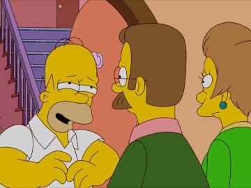 Homer frente a Flanders y Edna