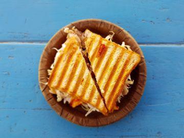 Lo has hecho mal toda tu vida: esta es la curiosa forma de hacer el sándwich perfecto